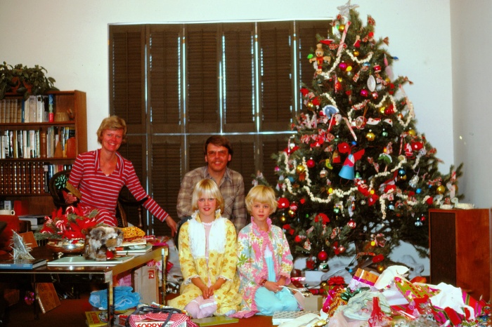 121974-dunbar-family-on-christmas-morning-with-presents-at-7712-everett-way-arvada-colorado_0009-2